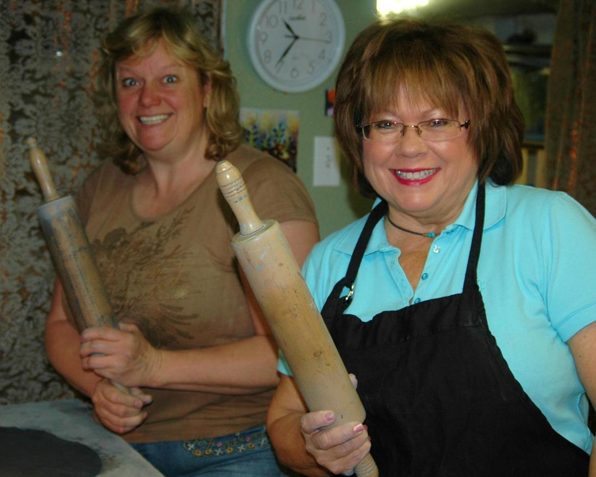 Pottery Girls